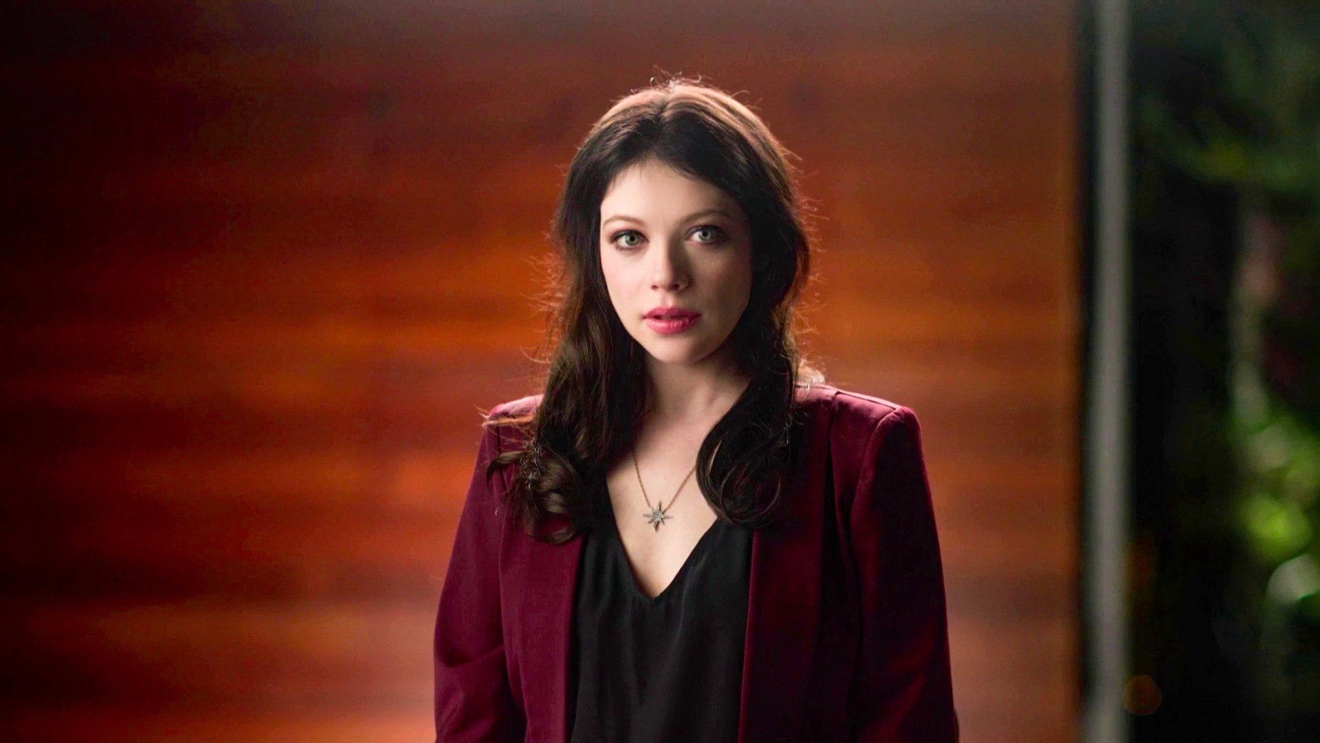 """TUBI ANNOUNCES NEW TRUE CRIME DOCUSERIES  """"MEET, MARRY, MURDER,"""" HOSTED BY MICHELLE TRACHTENBERG,  TO DEBUT ON WEDNESDAY, OCTOBER 6"""